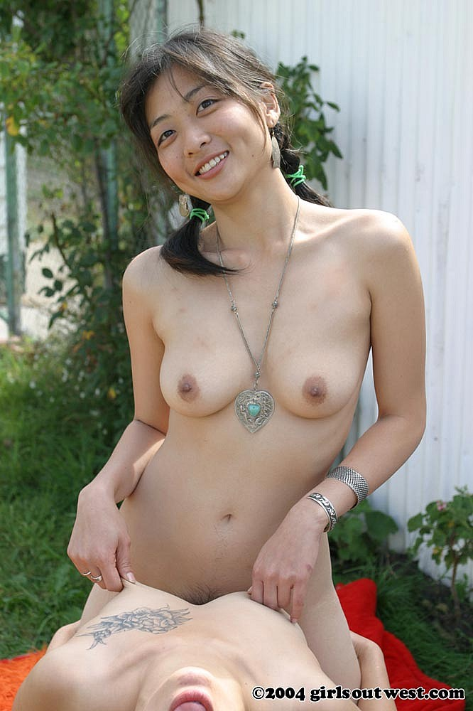 Mina (Age 26) Favorite Part of my Boday: Feet because I love the way ...: masturbationlounge.com/girlsoutwest-asian
